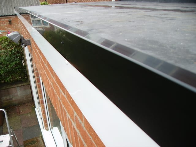 Flat roof construction Fascia